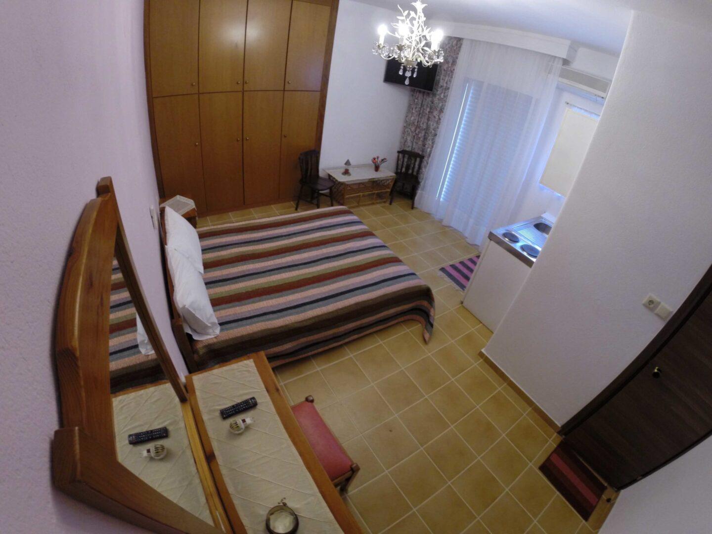 Δίκλινο στούντιο με διπλό κρεββάτι
